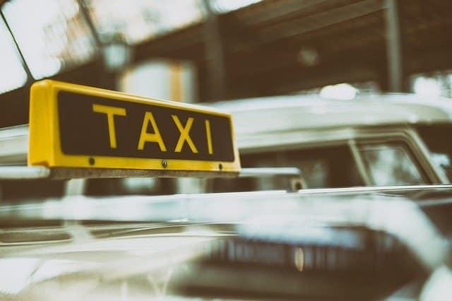 Facilitez votre déplacement à Paris en choisissant le taxi!
